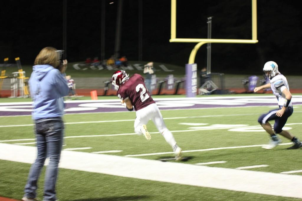 Mickey Hines tears his ACL while completing a catch at the Northeast Goose Lake game Sept. 11. Photo/Sam White