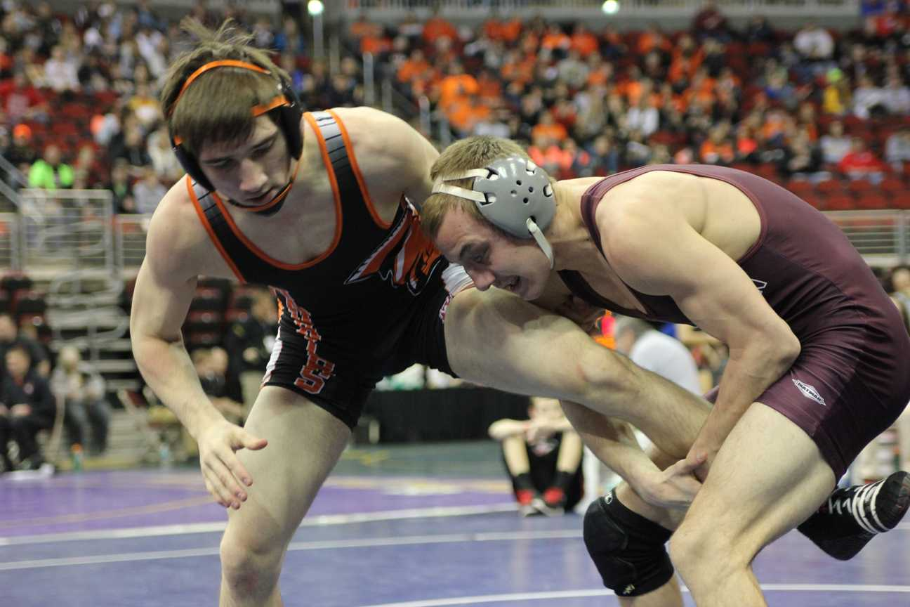 Ryan Muller Places 7th at State Wrestling