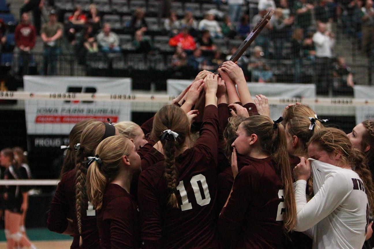 Volleyball Loses in Semifinals to Union