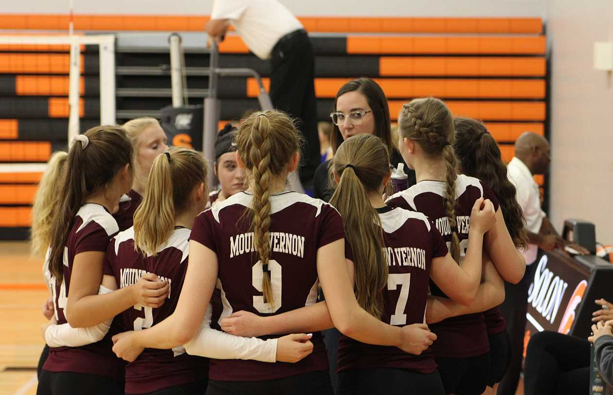 Sophomore Volleyball Team Heats up the Court