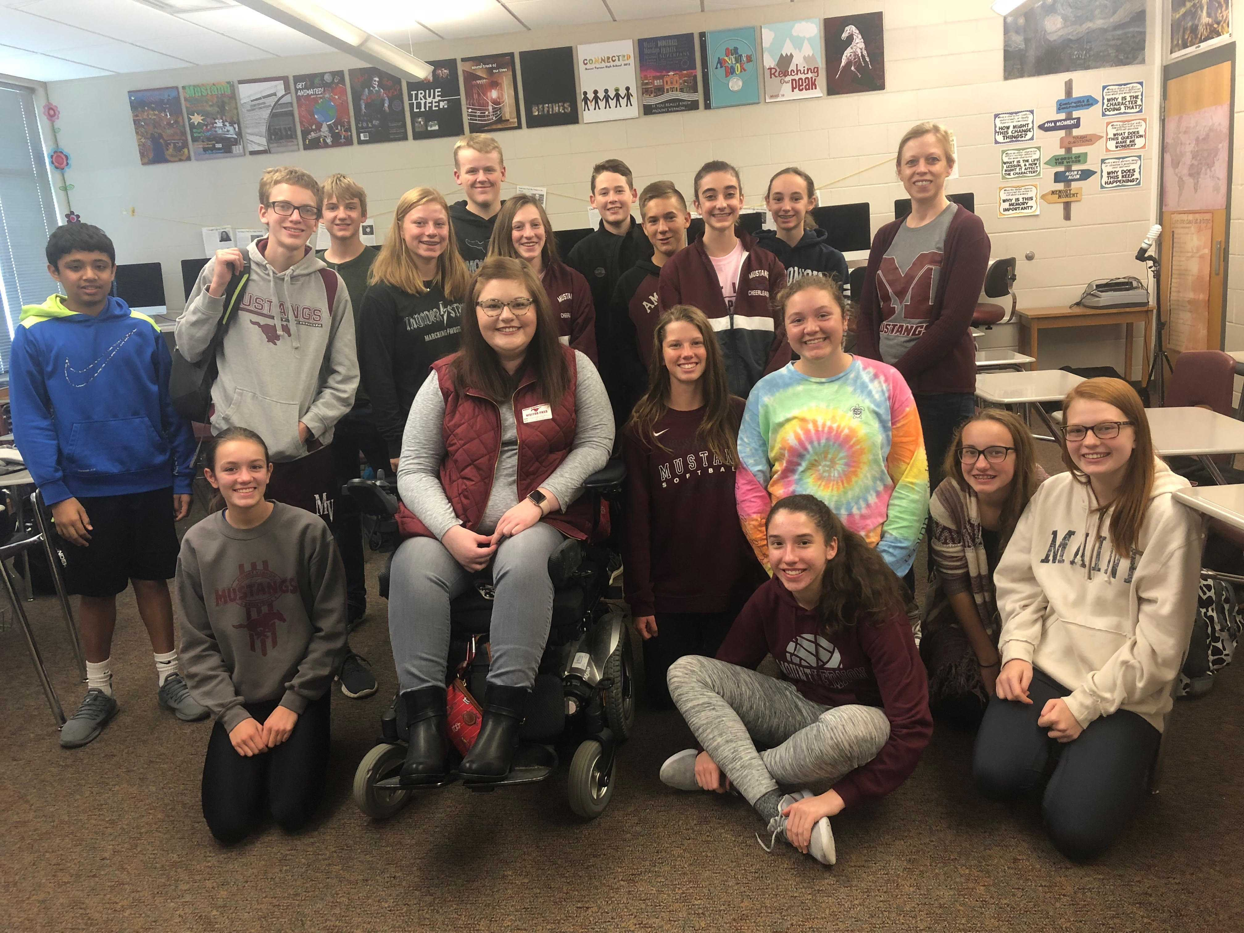 The sixth hour English 1 class poses for a picture with guest speaker Ashley Peska on Oct. 5.