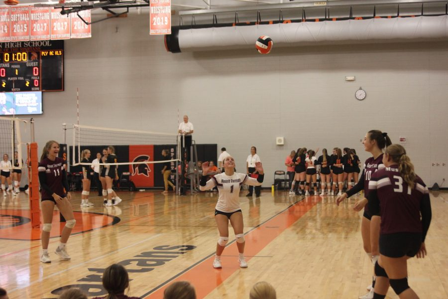 Junior+Jorie+Randall+sets+the+ball+up+to+her+teammates++Aug.+29.+The+Mustangs+beat+both+Center+Point-Urbana+and+Clear+Creek+Amana+in+two+sets+playing+in+Solon.