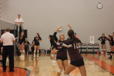 Senior Summer Brand sets the ball on Aug 29. Brand had 22 assists, eight digs, and one ace against the CPU Stormin