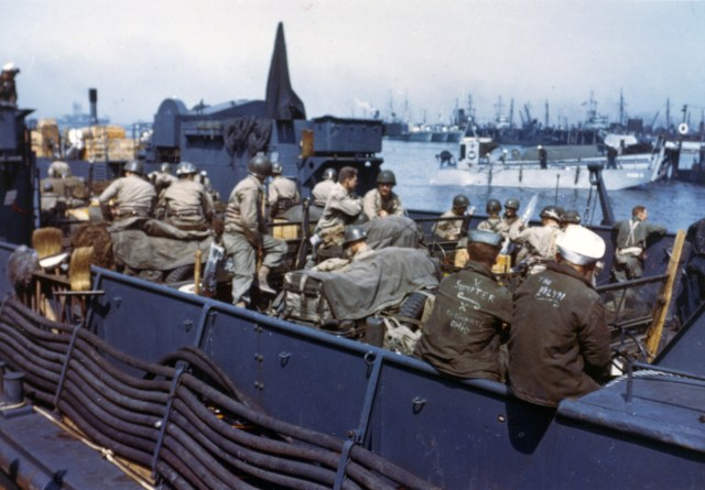 View+of+an+L.T.C.+with+American+troops+and+equipment+loaded+aboard+awaiting+the+siganl+for+the+assault+against+the+continent+in+June+1944.+England.