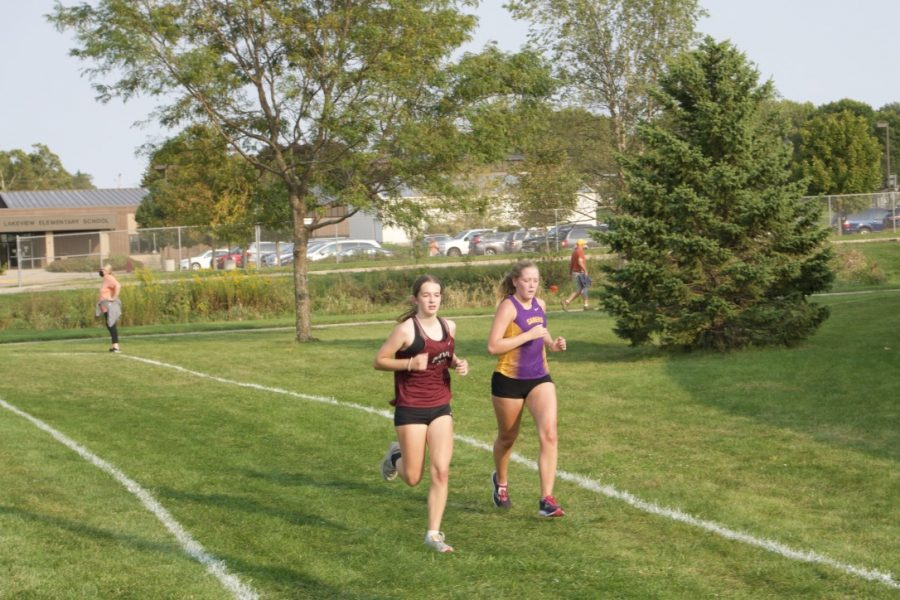 FINISHING UP Freshman Sierra Snyder picks up the pace as she finishes her final lap with a time of 24:01.
