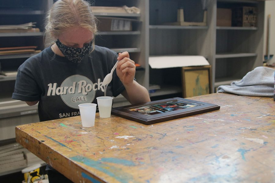 Junior Lily Booth makes Resin Art.