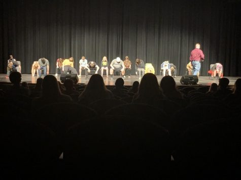 Hypnotist Cory Osborn hypnotizing MVHS students at the 2020 homecoming.