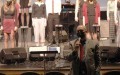 Navigation to Story: Concert Choir Holiday Performance Slideshow