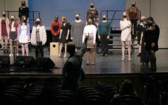 Navigation to Story: Women's Choir Sings Through Covid