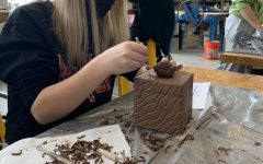 Navigation to Story: Ceramics Students Create Clay Boxes