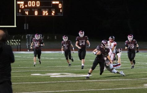 Nosek tosses the ball to Swantz in the last play of the first half. Mount Vernon was up 15-0.