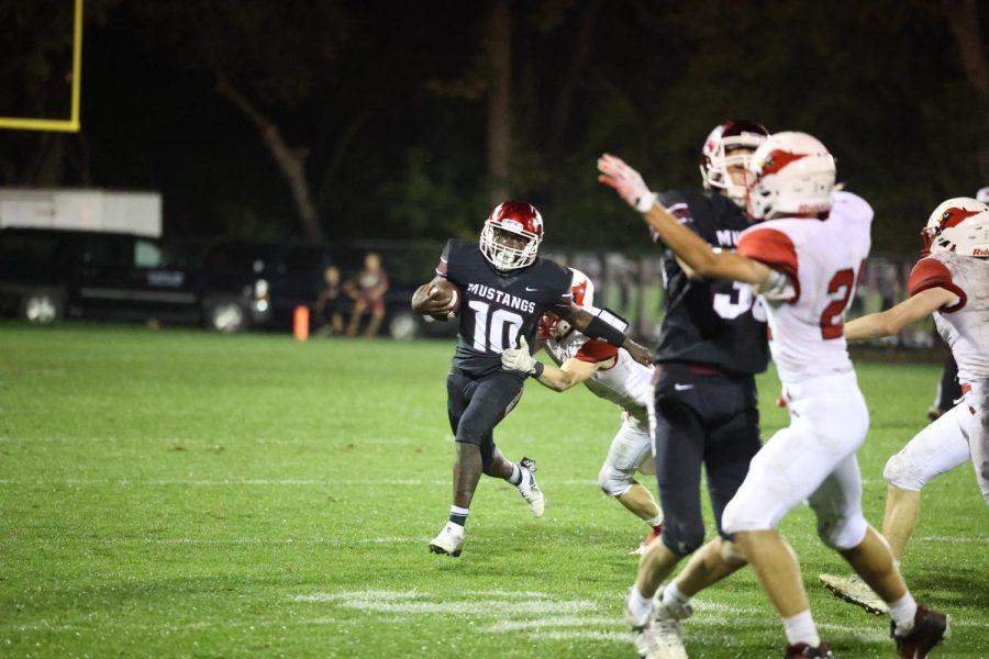 Mount Vernon Defeats Maquoketa in Homecoming Game