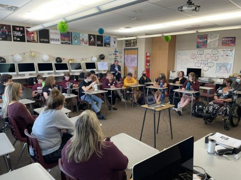 Alumni Hall of Fame winners Braden Rood, Sonia Redmond, Phoebe Ball, Shelby Kintzel, Crystal Eskelsen, and Gwen Drahos collaborate on a podcast about MVHS on Oct. 8.